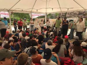 קבוצות תלמידים באוהל האמהות