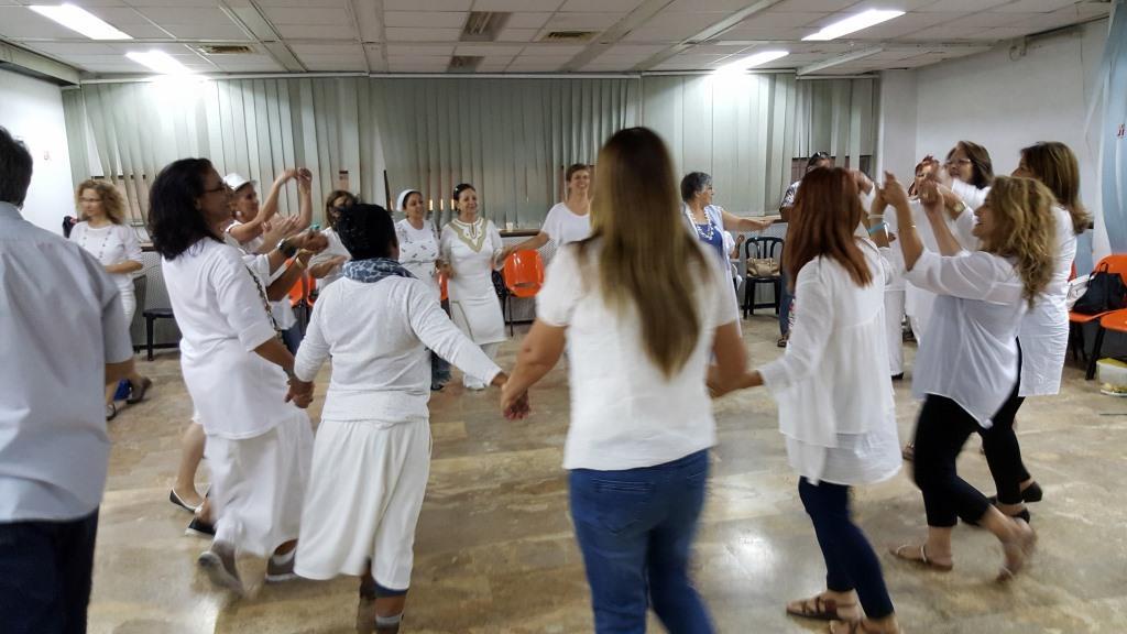 ריקוד בפעילות סלט ישראלי בירושלים