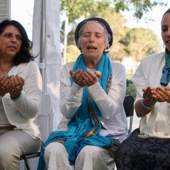 ג'ולייט קאוקג'י, הדס פרומן וליאורה הדר באוהל